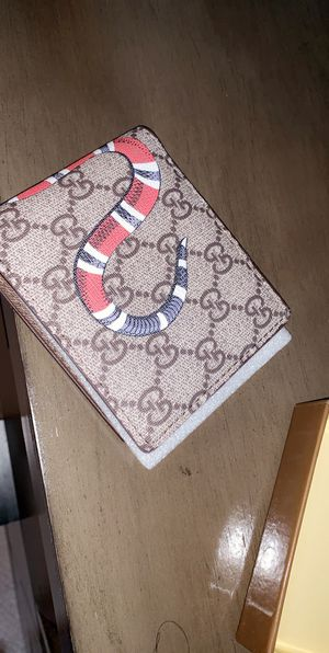Gucci wallet for Sale in Brentwood, MD