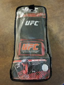 UFC MMA Boxing Gloves 12oz NEW for Sale in Mesa,  AZ