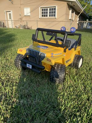 Jeep power wheels 12v runs gelreat early Christmas gift for Sale in Miami, FL