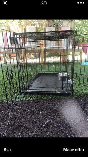 Médium size crate dog $30 for Sale in Sacramento, CA