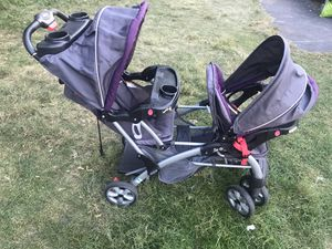 Baby Trend Sit N' Stand Double Stroller for Sale in Quincy, MA