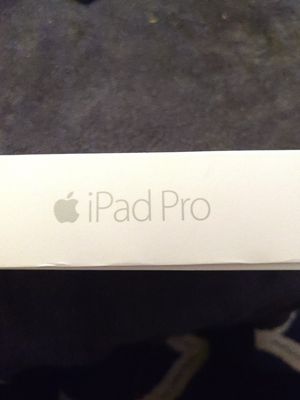 "iPad Pro 12.9"" MLG0G2LL/A 1st Gen for Sale in Odessa, FL"