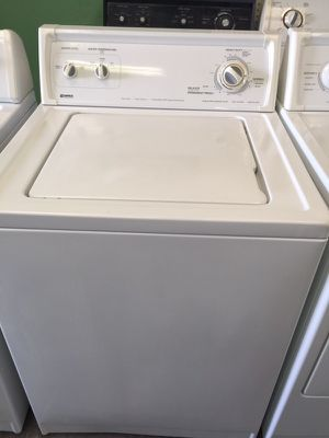 Kenmore white washer heavy duty capacity in excellent condition plus 6 months warranty for Sale in Pompano Beach, FL