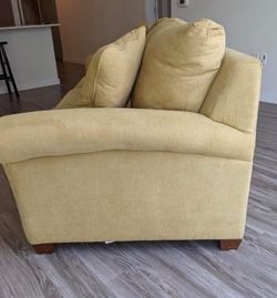 Sofa 3 seat/ LA-Z Boy for Sale in Kent,  WA