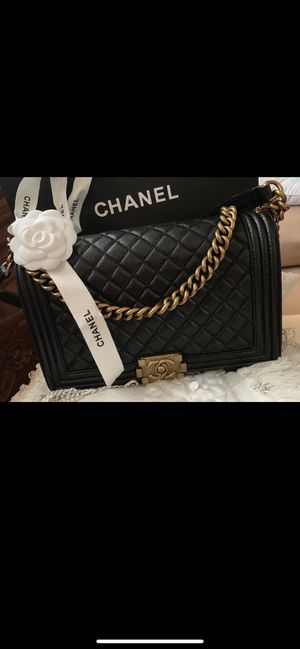 Chanel boy new medium bag for Sale in Queens, NY
