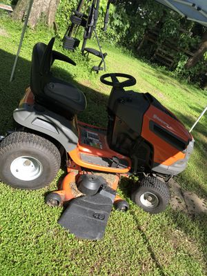Riding lawn mower for Sale in Auburndale, FL