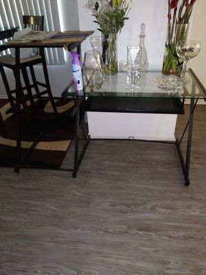Computer table for Sale in Los Angeles, CA
