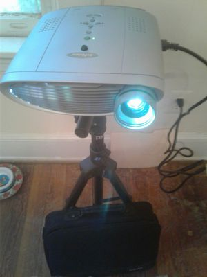 EInFocus LS 110 - DLP projector **GREAT FOR MURAL PAINTING or MOVIES for Sale in Richmond, VA