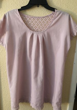 Light pink top for Sale in San Bernardino, CA