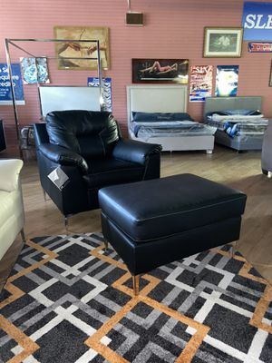Chair with an ottoman $ 449 for Sale in Andalusia, PA