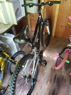 Schwinn Mountain Bike for Sale in Coopersburg, PA