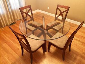 Glass table & chairs for Sale in Seymour, TN