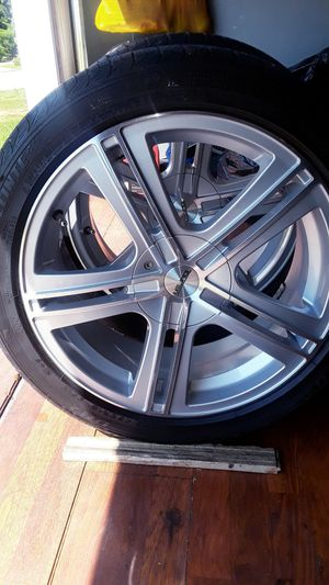 18' Touren 225/45ZR18 Rims with 18' low performance tires for Sale in Dunwoody, GA