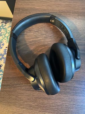 Anker soundcore noise cancelling wireless headphones for Sale in Duluth, GA
