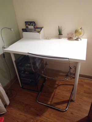 Desk and Chair for Sale in Chicago, IL
