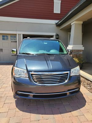 2014 Chrysler TOWN & COUNTRY TOURING L for Sale in Lake Wales, FL