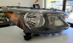 2012-2014 Honda CRV (Front Headlight Assembly) for Sale in Los Angeles, CA