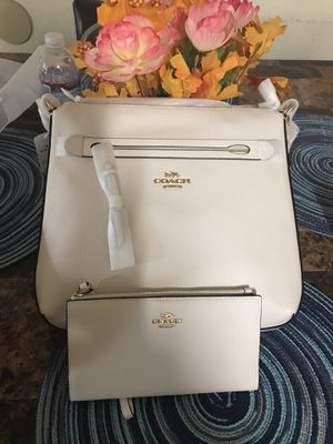 coach cross body and matching wallet brand new for Sale in Fowler, CA