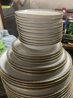 Fine Chinaware From 1930 for Sale in Fair Oaks,  CA