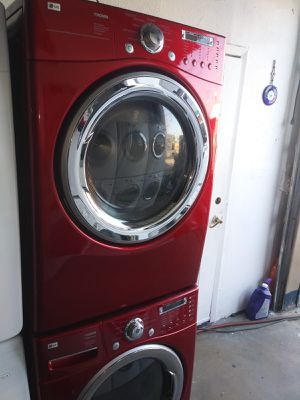 LG washer and dryer gas nice set for Sale in Houston, TX