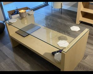 Used coffee table for Sale in Los Angeles, CA
