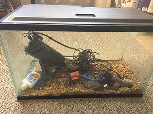 10 gallon Fish Tank for Sale in Charlottesville, VA