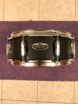 Brand new Pearl Modern Utility snare drum 5.5x14... for Sale in Davenport, FL
