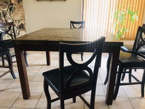 Dining table for Sale in Hesperia, CA