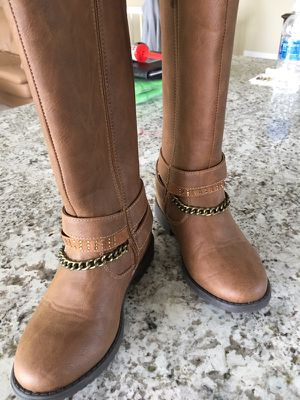 Little girls (Kenneth Cole) boots. Brand new, size 1-1/2 for Sale in Fenton, MI