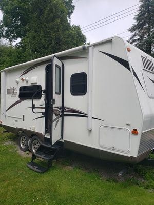 2015 21ft Rockwood mini lite for Sale in Pittsburgh, PA