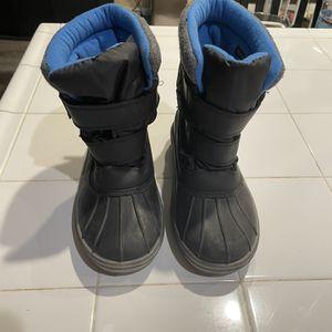 Snow Winter Weatherproof Boots Shoes (size 4 Kids / Size 5 Women) for Sale in Fontana, CA