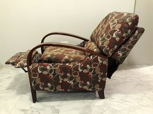 Madison Park Bent Arm Recliner Chair for Sale in Dallas, TX