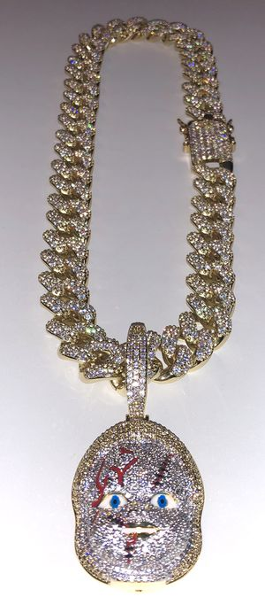 Iced out Stimulated diamonds Miami Cuban link chain & pendant set for Sale in Huntington Park, CA