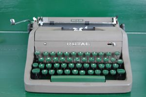 1953 Royal Quiet De Luxe Typewriter for Sale in Portland, OR