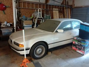 BMW 740i 1998 with Title. for Sale in Rolla, MO
