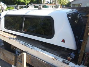 "Leer Camper shell 80"" 63"" for Sale in Modesto, CA"