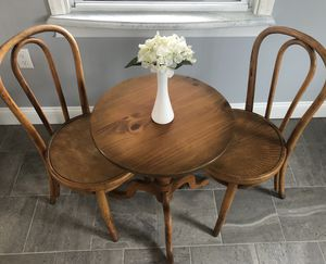 Vintage Breakfast Table for Sale in Aliquippa, PA
