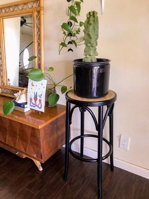 Boho vintage wicker plant stand for Sale in Tempe, AZ