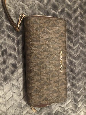 Michael Kors wallet for Sale in Plant City, FL