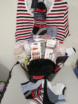 Tommy Hilfiger gift basket for Sale in Lakewood Township, NJ