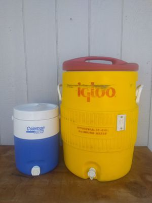 Blue and large yellow cooler for Sale in Fowler, CA