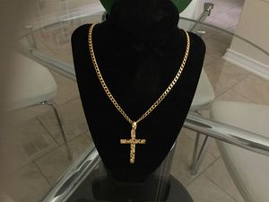 New gold plated14K chain and nugget charm no gold. for Sale in San Antonio, TX