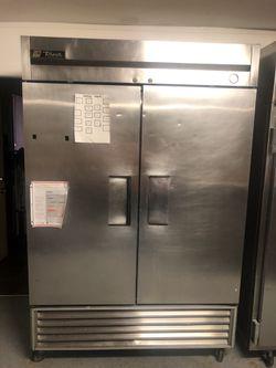 True Upright restaurant freezer for Sale in Divernon,  IL