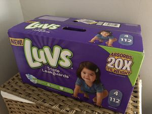 Luvs diapers size 4 for Sale in Brooklyn, OH