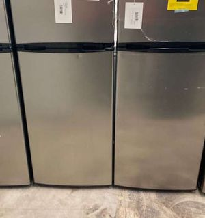 Thomson Refrigerators 7.5 Cu Ft Tfr725 VH for Sale in Cypress, CA