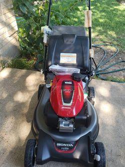 Honda Hrn216vka Self Propelled Lanw Mower Brand New In Box Nueva En Caja for Sale in Houston,  TX