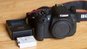 CANON REBEL T5i w/ 50mm LENS LIKE NEW! for Sale in Madison Heights, MI