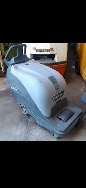 "BUFFER BURNISHER SCRUBBER FLOORS POLISHER ""ADVANCE U800 2016 $980!!!!! THESE ARE $7,500 BURNISHERS!!!! BRAND NEW BATTERYS !!!! BELOW WHOLESALE... for Sale in Santa Fe Springs, CA"