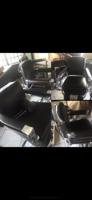 (3) Antique Barber Chairs for Sale in Detroit, MI