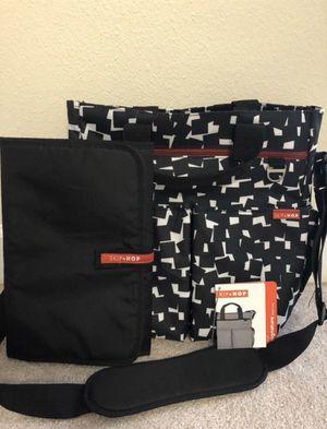 Skip Hop black diaper bag for Sale in Tampa, FL